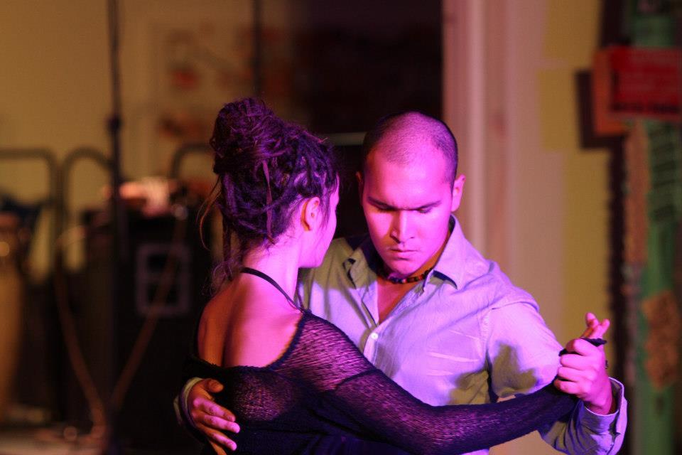 Mario y Stella bailan Tango 3